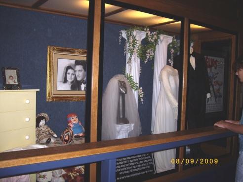 Elvis Presly's Graceland - 8-9-09 009